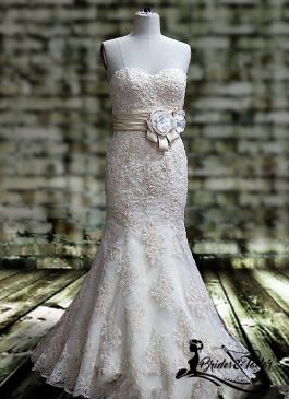 Strapless Bridal Gown With a Side Bow